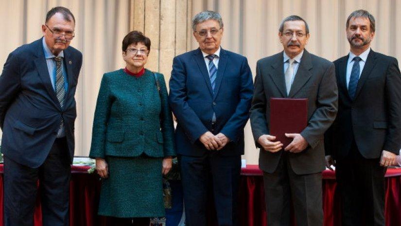 Akadémiai-Szabadalmi Nívódíjat kapott Prof. Dr. Hebling János