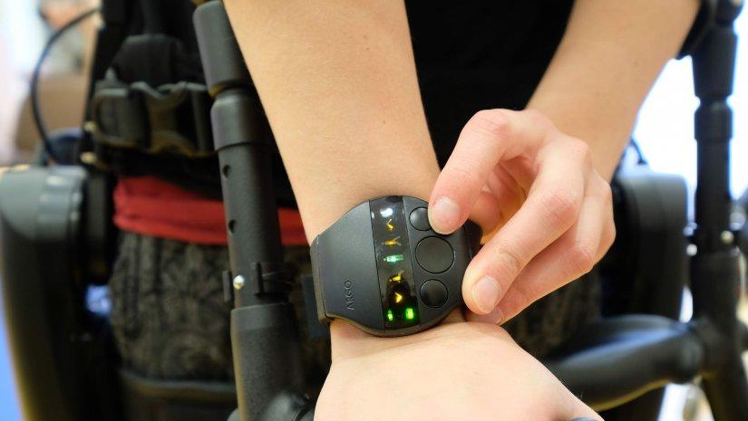 Csúcstechnológiás eszközökkel javíthatják a gerincvelő sérültek életkörülményeit Pécsett