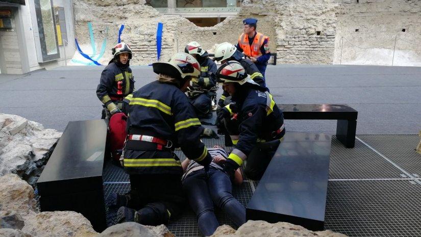 Katasztrófavédelmi bemutató a Cella Septichora Látogatóközpontban
