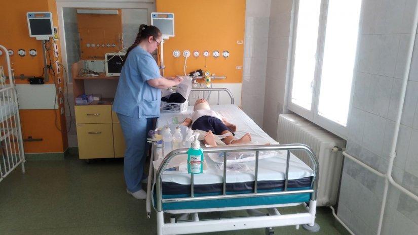 Közel 300 millió forintból képezték tovább az egészségügyi szakembereket Pécsett