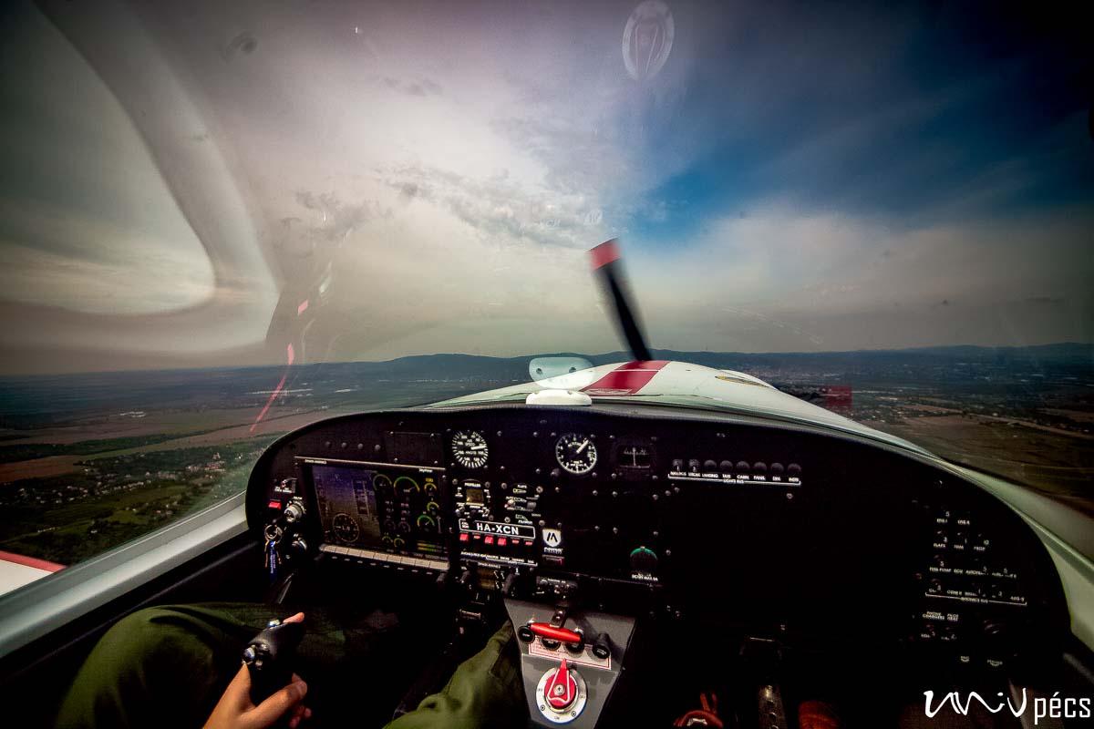 Repülős képzéseket indít a PTE