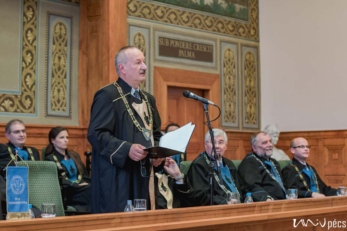 Tanévzáró szenátusi ülés ünnepélyes rektorváltással