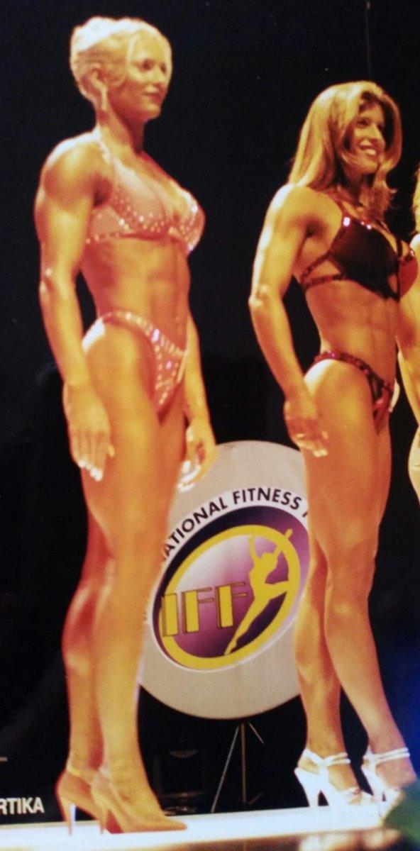 Balra Kordé Emese, jobbra Béres Alexandra egy verseny alkalmával