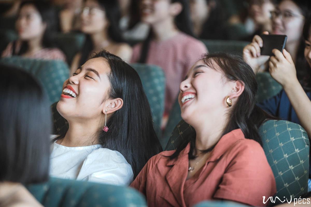 Búcsúznak a kínai hallgatók