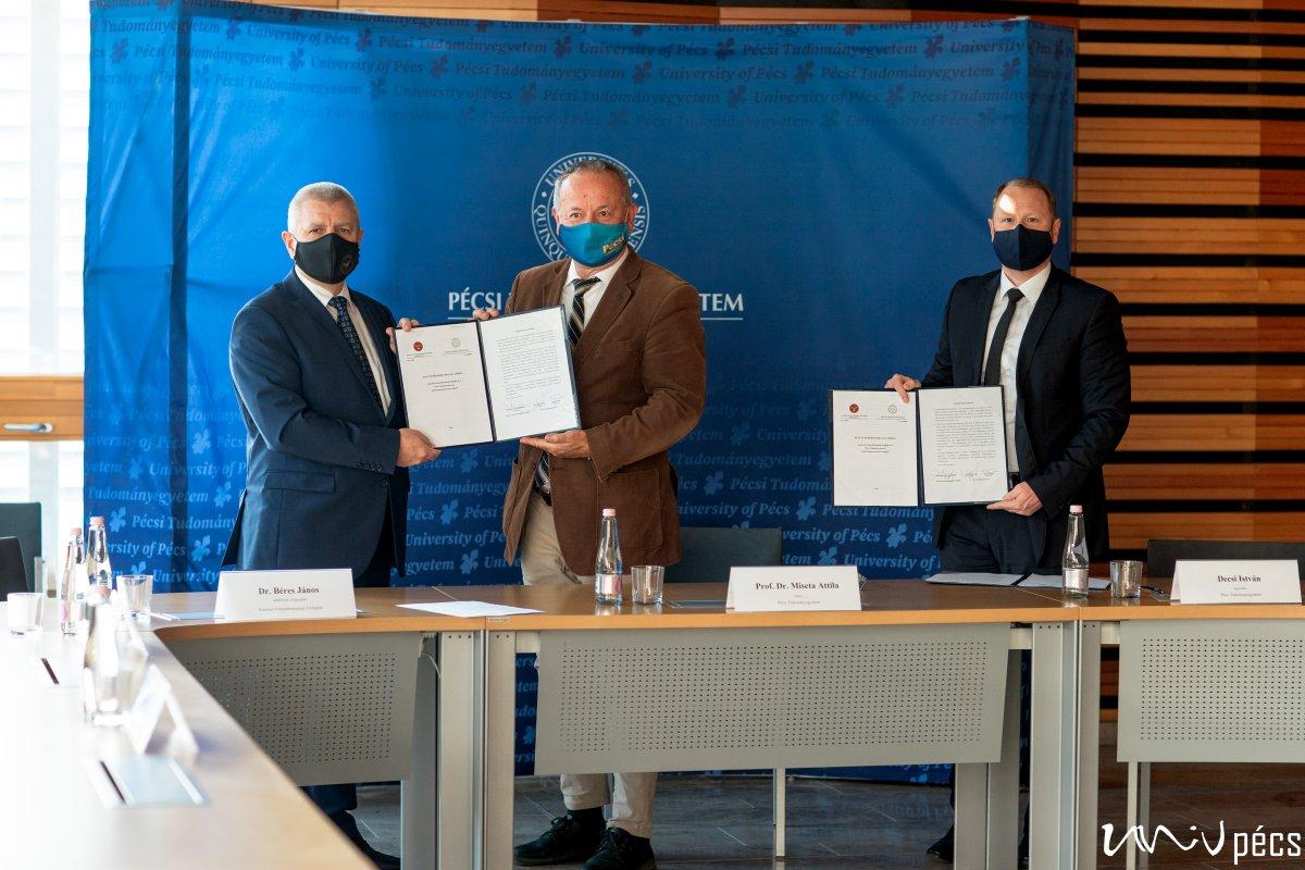 Tudomány és biztonság: együttműködik a PTE és a Katonai Nemzetbiztonsági Szolgálat
