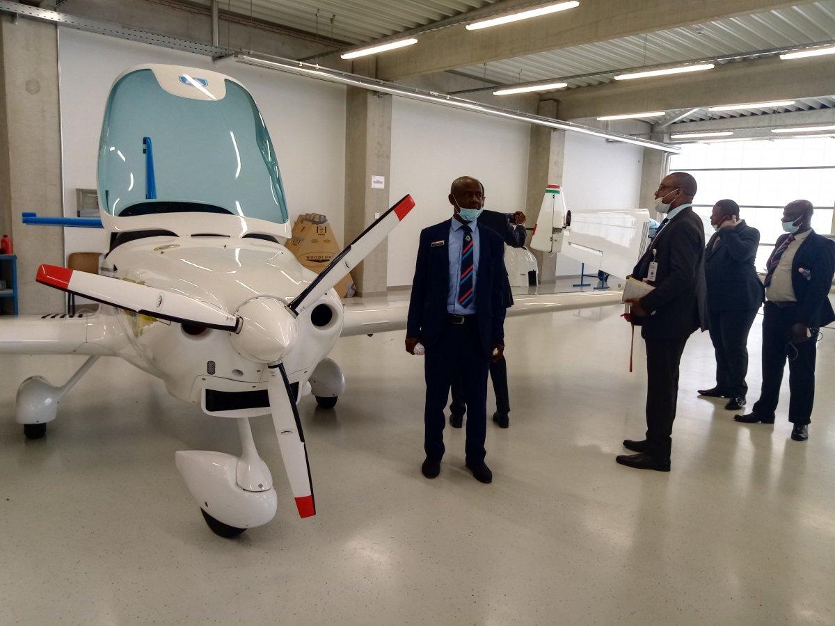 Nigerian Delegation at Magnus Aircraft (Photo: Szabolcs Csortos)