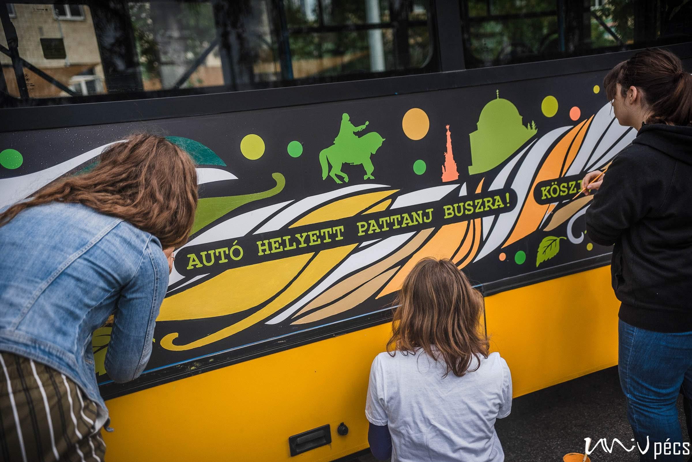 Pécs legmenőbb busza PTE-s hallgatók közreműködésével