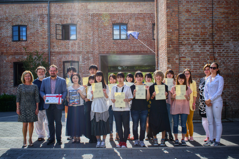 Záróünnepség a japán nyári egyetem hallgatói számára