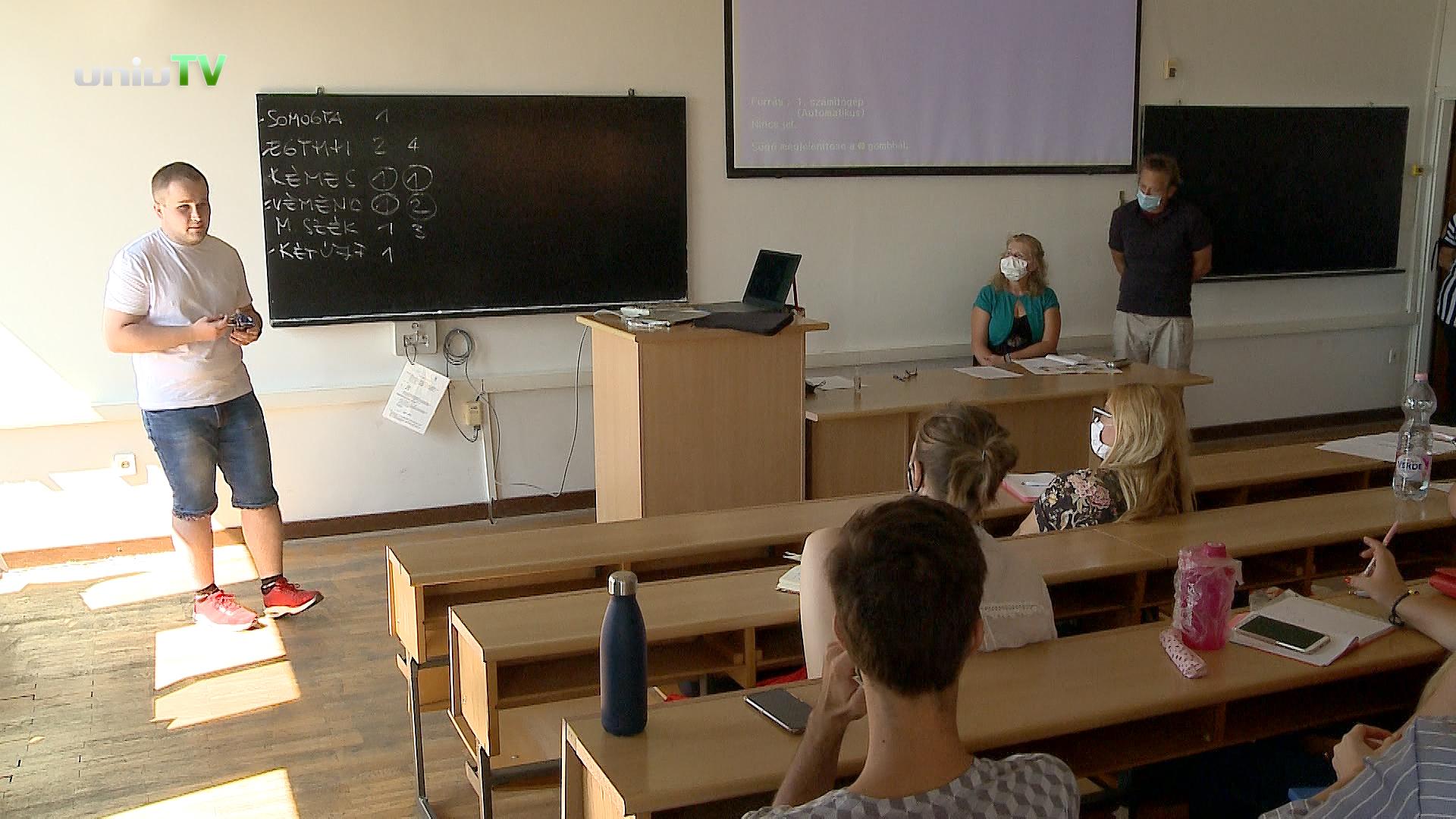 Tanítsunk Magyarországért egyetemi mentor program a PTE-n