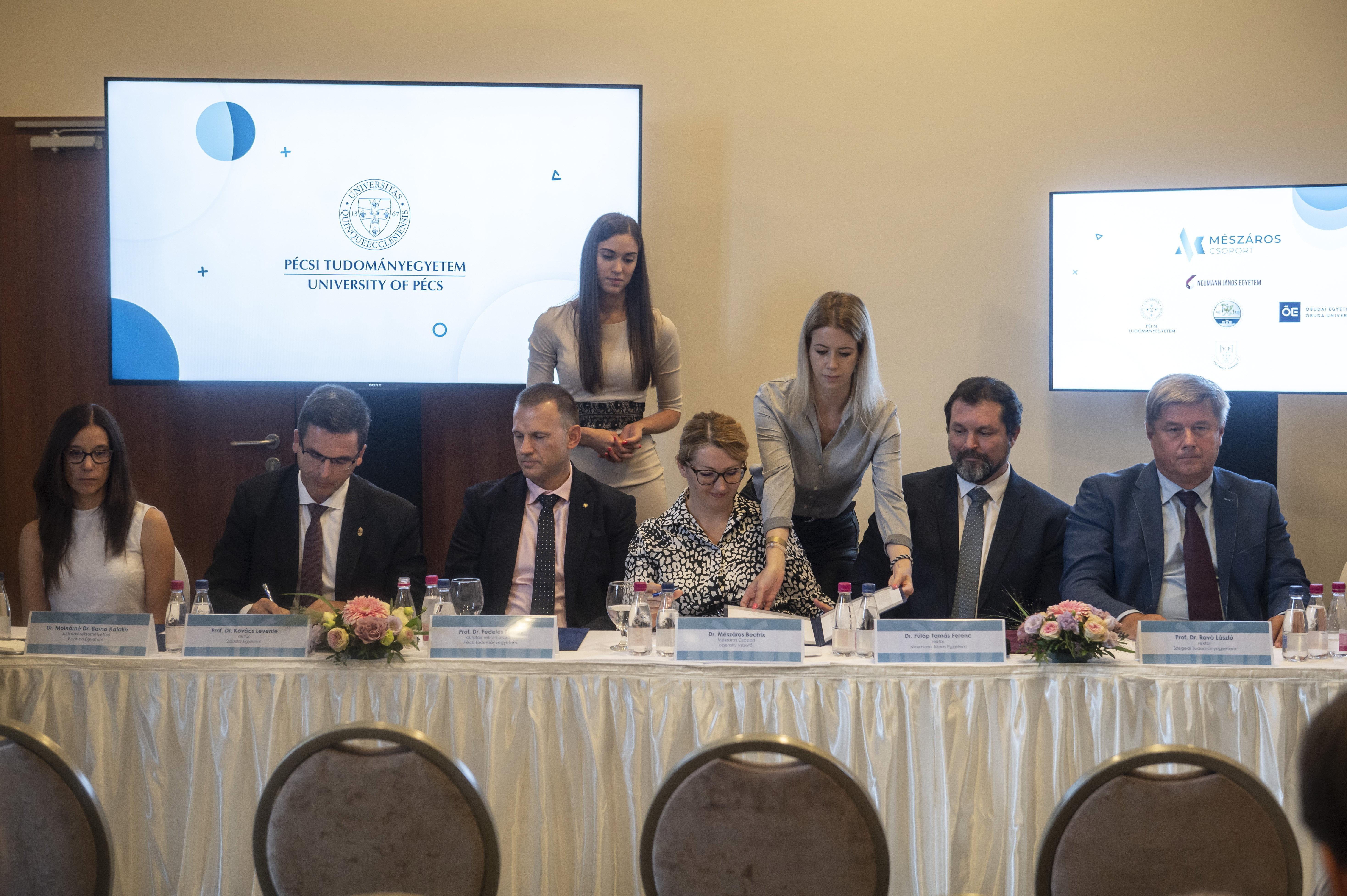 Stratégiai megállapodást kötött a Mészáros Csoport a PTE-vel