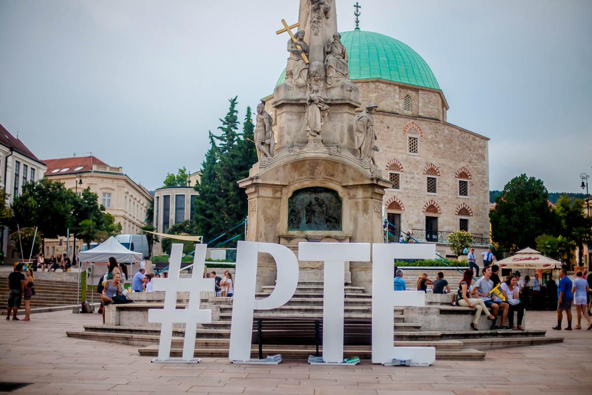 PTE-s kitüntetettek a város napján
